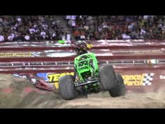 Monster Jam World Finals 13, Sam Boyd Stadium in Las Vegas Nevada. Grave Digger Freestyle 2012 30th Anniversary
