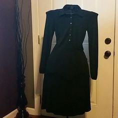 J. CREW Basic Black Dress sz 2 Buttons down the front, pulls on, smoke and pet free home, excellent condition, can also be worm with a belt for an especially fitted look Please feel free to ask questions! J. Crew Dresses Long Sleeve