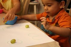 Another great toddler learning activities blog -- must lesson plan soon!!