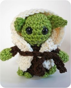 Little Yoda Crochet Tutorial from HappyTogetherCreates.com Supplies: -Green, brown, and off white medium worsted yarn -Size G and H crochet hooks -Optional: safety eyes (you could use yarn to make them or felt circles; mine were size 12mm) -Yarn Needle -Polyfill or some kind of stuffing