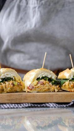 Sandwich de Pollo Desmenuzado ~ Receta | Tastemade