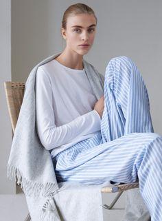 COS-Loungewear-Holiday-2015-Lookbook04.jpg (800×1090)