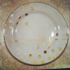 Kate spade Inspired #DIY Holiday Plate. Dollar store plate + sharpie. Bake in oven
