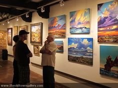 Old Town Gallery guest's having a chat with our artists