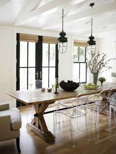 """originalhousedecoracion: """" Lámparas de estilo industrial, sillas modernas y mesa rústica, saber combinarlo es cuestión de tener buen gusto. """""""