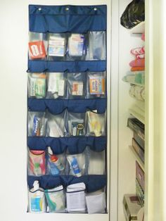 This shoe hanger storage bag idea is so clever. Perfect for maximizing space for toiletries in a small college apartment.
