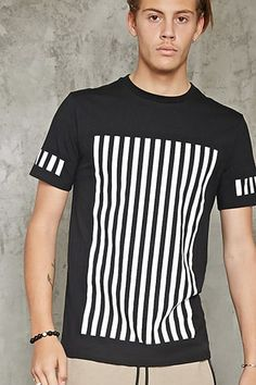 Forever 21 is the authority on fashion & the go-to retailer for the latest trends, styles & the hottest deals. Shop dresses, tops, tees, leggings & more! Boys T Shirts, Tee Shirts, T Shirts For Women, Tees, Aesthetic T Shirts, Tee Shirt Designs, Mens Activewear, Street Outfit, Forever 21