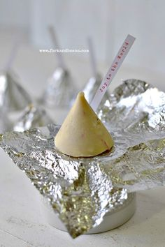 Vegan Hershey Kisses - Bring on that Christmas Spirit!