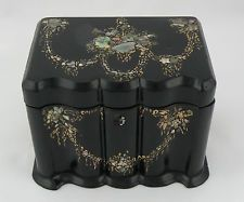 Antique JENNENS & BETTRIDGE Papier Mache Tea Caddy. Gilt & Mother of Pearl inlay - Maria Elena Garcia -  ► www.pinterest.com/megardel/ ◀︎