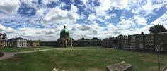 Haileybury exterior    Haileybury ofrece un entorno estimulante para sus estudiantes a la hora de imponerles desafíos y hacer que descubran su identidad para que se desarrollen como adultos seguros y generosos    #WeLoveBS #inglés #idiomas  #Haileybury #ReinoUnido #RegneUnit #UK  #Inglaterra #Anglaterra #HarryPotter