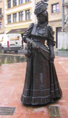 Estatua de La Regenta, Oviedo, Goth, Victorian, Dresses, Style, Fashion, Elopements, Oviedo, Statues, Culture