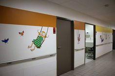 15894873_1239241339492927_9061348234188349378_n-copier Hospital Signage, Corridor Design, Hospital Design, Healthcare Design, School Decorations, Hospitals, Siena, Office Decor, Clinic