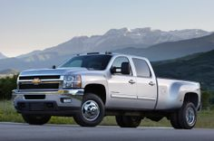 2014 Chevrolet Silverado 3500 Front Three Quarters Photo 1