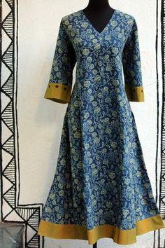 Kalamkari Designs, Churidar Designs, Kurti Neck Designs, Blouse Designs, Salwar Pattern, Kurta Patterns, Dress Patterns, Indian Dresses, Indian Outfits