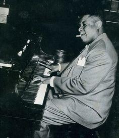 Photos of musicians — Art Tatum
