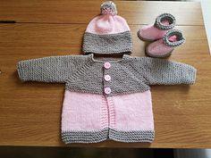 Diy Crafts - Ravelry: Babbity Baby Jacket pattern by marianna mel Baby Boy Knitting Patterns Free, Newborn Crochet Patterns, Baby Sweater Knitting Pattern, Baby Patterns, Crochet Baby, Knitting Ideas, Baby Boy Cardigan, Knitted Baby Cardigan, Baby Pullover