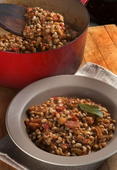 Hoppin' John ~ A traditional southern black eye pea preparation for New Year's Day from Michael Ruhlman...better learn something Southern cooking if I'm moving to Charleston!