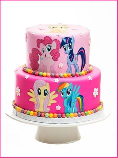 Love this My Little Pony birthday cake with candy accents. My Little Pony Party, My Little Pony Cumpleaños, Cumple My Little Pony, Little Poney, My Little Pony Cupcakes, Cumpleaños Rainbow Dash, Rainbow Dash Birthday, 5th Birthday, Birthday Cake