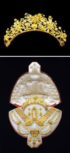 AN ANTIQUE GOLD PARURE. Comprising a sculpted gold necklace of foliate motif; two bracelets, a brooch, a pair of ear pendants and a tiara en suite, circa with French assay marks, French importation marks and maker's marks by erin Royal Crowns, Royal Tiaras, Tiaras And Crowns, Gold Tiara, Diamond Tiara, Victorian Jewelry, Antique Jewelry, Vintage Jewelry, Diamond Pendant Necklace
