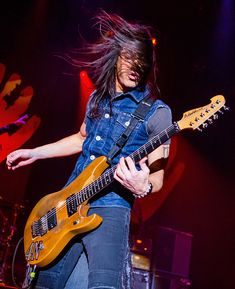 Nuno Bettencourt of Extreme performs at Fire Keepers Casino on January 31 2015 in Battle Creek Michigan