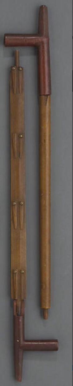 Две трубки, Сиу. Bonhams, декабрь 2010.