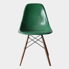 Eames DSW Forest Green