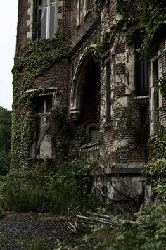 <b>Château</b> de la Forêt – The Castle Moulbaix – <b>Abandoned</b> in Belgium