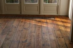 Love this pine wood flooring Plywood Flooring Diy, Hardwood Floors, B & B, New Homes, Home And Garden, House Styles, Antiques, Ceilings, Inspiration