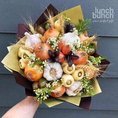 For flu season or Autumn Food Bouquet, Diy Bouquet, Edible Bouquets, Floral Bouquets, Edible Arrangements, Flower Arrangements, Baptism Table Decorations, Vegetable Bouquet, Deco Buffet