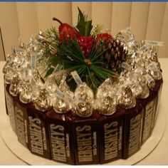 Hershey Candy Cake by on Etsy (Chocolate Regalo Hershey's Kisses) Candy Arrangements, Candy Centerpieces, Wedding Centerpieces, Candy Birthday Cakes, Candy Cakes, Christmas Candy, Christmas Crafts, Xmas, Homemade Gifts
