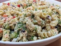 Liian hyvää: Pastasalaatti lämminsavulohesta Savory Snacks, Healthy Snacks, Healthy Recipes, A Food, Good Food, Food And Drink, Different Salads, Fusilli, Light Recipes