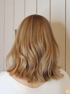 Lyxig blond hårfärg - All For Hairstyles Cream Blonde Hair, Blonde Hair Shades, Blonde Hair Looks, Honey Blonde Hair, Warm Blonde, Blonde Color, Hair Color Highlights, Blonde Hair Without Highlights, Balayage Hair