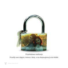 kłódka miłości ze zdjęciem, prezent na zaręczyny http://sklep.nana.com.pl/p2970,srednia-klodka-z-twoim-zdjeciem.html