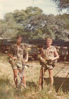 Selous Scouts during the Rhodesian Bush War c. Vietnam War Photos, Man Of War, Defence Force, Modern Warfare, Guerrilla, War Machine, Special Forces, Cold War, Military History