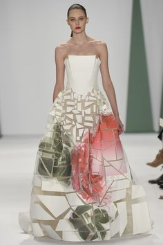 Carolina Herrera, Spring/Summer 2015 -- now THAT is deconstruction I can believe in!