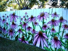 Красочный забор.