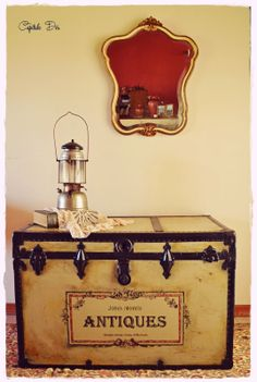 Antique trunk upcycled. Antiguo baul recuperado.