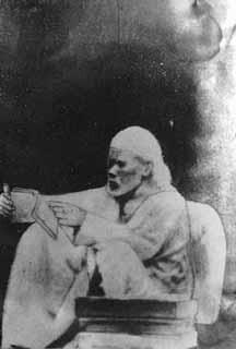 Sai Baba Photos - A Collection Of Original And Rare Images - Vedic Sources Hanuman Photos, Hanuman Images, Sai Baba Pictures, God Pictures, Rare Images, Rare Photos, Rare Pictures, Good Morning Clips, Sai Baba Wallpapers