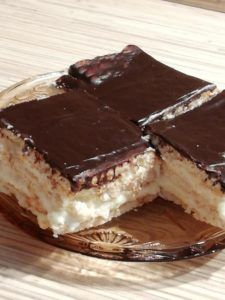 Hungarian Desserts, Hungarian Cake, Appetizer Recipes, Dessert Recipes, Different Cakes, Baking And Pastry, Winter Food, Cakes And More, No Bake Cake