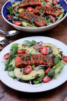 Easy recipe for a grilled salmon and avocado salad with a spicy cumin lime cilantro dressing. Fish Recipes, Seafood Recipes, Salad Recipes, Cooking Recipes, Healthy Recipes, Cooking Tips, Salmon Y Aguacate, Cilantro Dressing, Healthy Weeknight Dinners