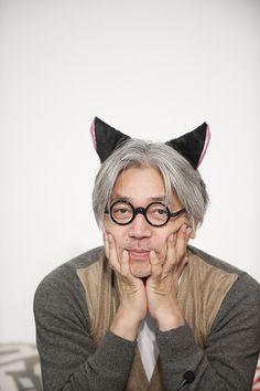 Ryuichi Sakamoto with neko-mimi (cat ears)