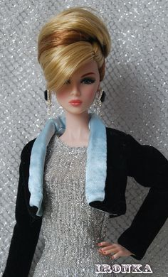 (Eden-dolls with beautiful hair.) i like the hair style, earrings n jacket... Aren't they beautiful.