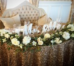 Mr and mrs table, sweetheart table Head Table Wedding Decorations, Wedding Reception Backdrop, Backdrop Decorations, Garland Wedding, Wedding Table Settings, Wedding Centerpieces, Backdrops, Blue Orchid Wedding, Wedding Flowers