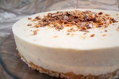 Pienet herkkusuut: Valkosuklaa-Daim-juustokakku Cheesecakes, Panna Cotta, Pudding, Cooking, Ethnic Recipes, Desserts, Food, Buns, Kitchen