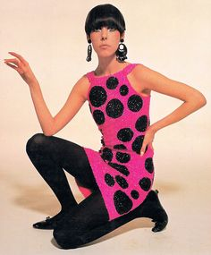 Peggy Moffitt in Pierre Cardin Dress, photographed by William Claxton, 1965 Sixties Fashion, 60 Fashion, Fashion History, Retro Fashion, Fashion Models, Vintage Fashion, Fashion Design, Fashion Trends, Sporty Fashion