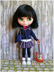Blythe schoolgirl (Heike Andrea Grote ) Tags: school japan doll guitar band kawaii pullip blythe takara licca monchhichi highschol basaak heikeandreagrote