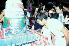 Pacquiao, who is facing an issue with the Bureau of Internal Revenue on his boxing winnings, proved himself to be a Bible whiz kid as he took the stage to throw difficult questions on biblical trivia to the audience. Cash Cars, 36th Birthday, Philippine News, Trivia, Boxing, Stage, Bible, Kids, Biblia