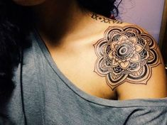 Simple and beautiful shoulder mandala tattoo. The shoulders are another popular place where mandalas are inked because of the flat space and that you can show off the tattoo with almost any type of clothing on.