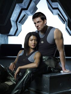 Helo and Athena Battlestar Galactica They were the most underrated characters on the show. Battlestar Galactica, Kampfstern Galactica, Sci Fi Series, Tv Series, Tahmoh Penikett, Jamie Bamber, Grace Park, Sci Fi Shows, Outlander Tv
