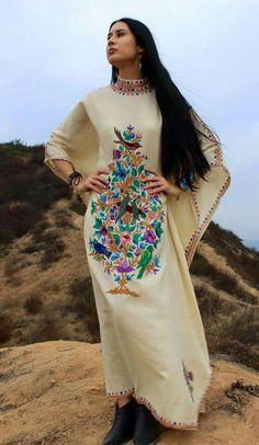 Vestido bordado elegantísimo